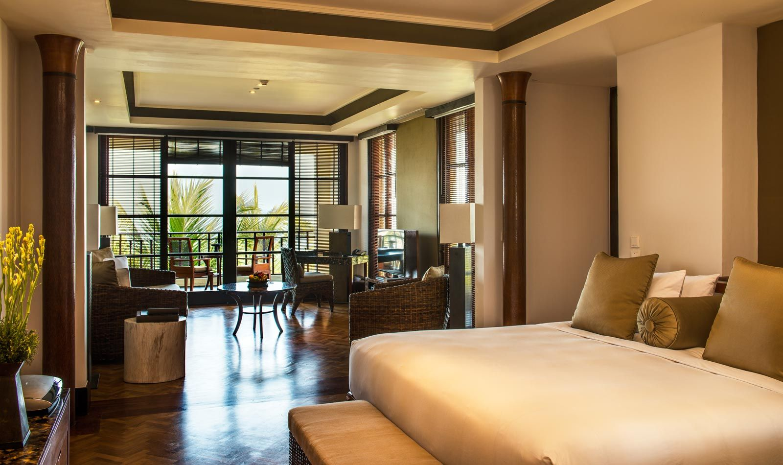 Studio suite bali hotel the legian bali luxury hotel for Leading small hotels