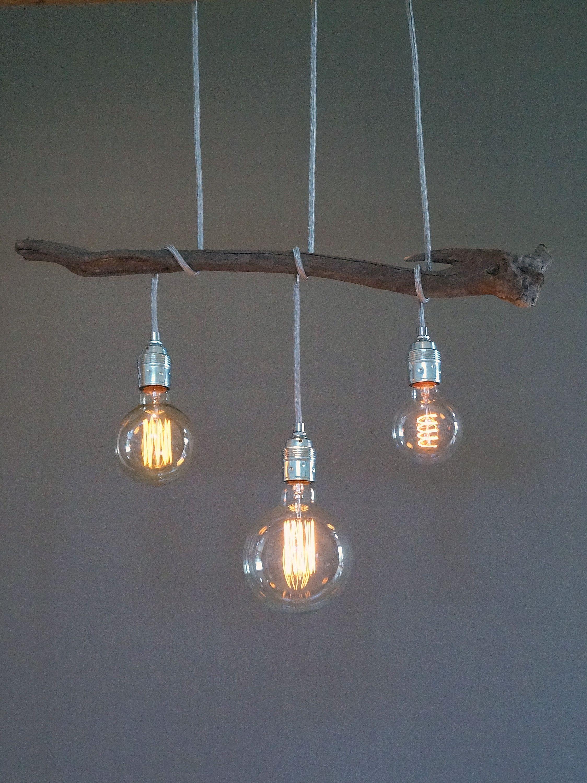 Diese Lampe Ist Ein Einzelstuck Dieses Besondere Stuck Treibholz Gefunden An Einem Strand In Italien Kombiniert Mit Globe Bulbs Vintage Bulbs Pendant Lamp