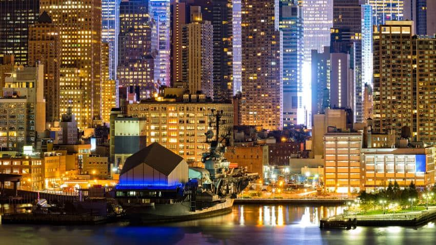 Book The Manhattan At Times Square Hotel In New York Hotels Com In 2020 Manhattan Times Square Times Square New York Times Square Hotels