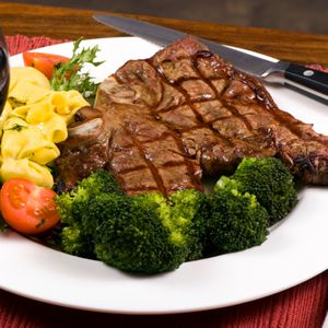 The keto diet - Steak & broccoli