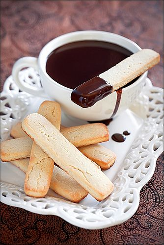 Almond cookies and hot chocolate