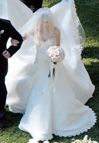 Stars Who Wore Vera Wang Wedding Gowns | Pinterest | Avril lavigne ...