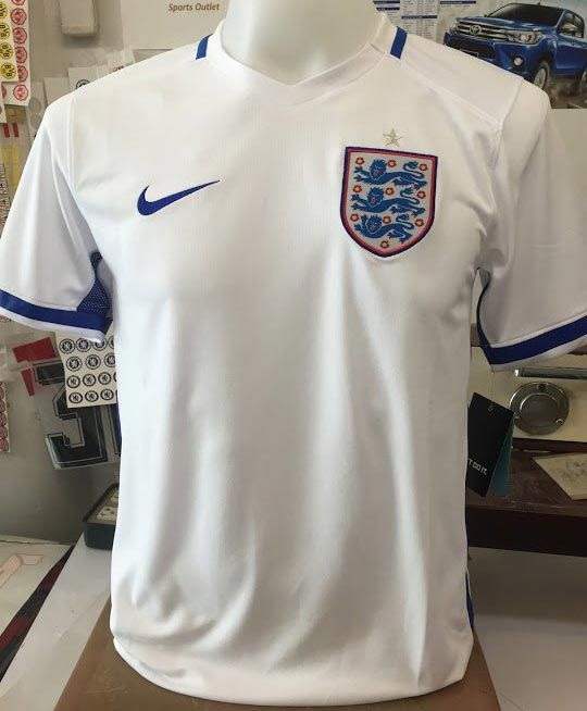 nike air max repérer jusqu'à 13 - Two images showing the England Euro 2016 kits have been leaked ...