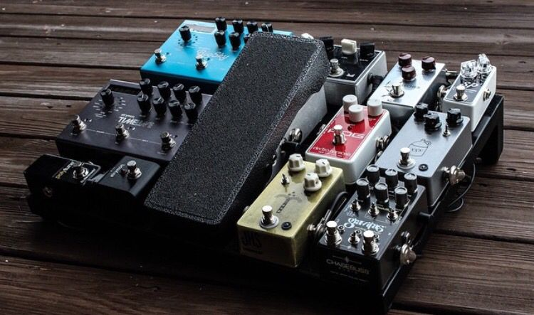 this board on worship gear in 2019 guitar pedals guitar rig guitar effects pedals. Black Bedroom Furniture Sets. Home Design Ideas
