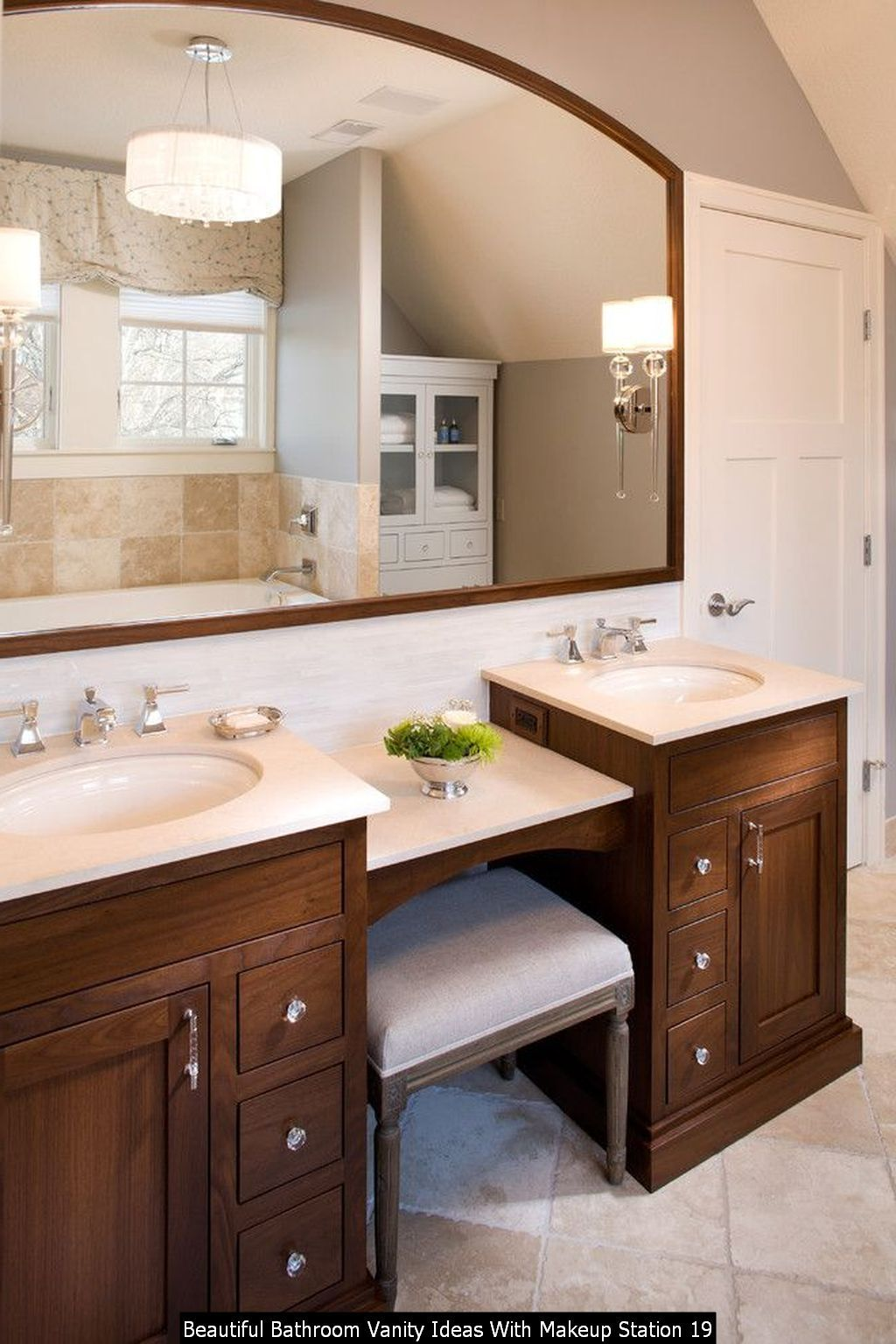 30+ Beautiful Bathroom Vanity Ideas With Makeup Station in