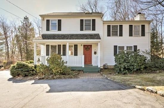 33 Barrows Rd Worcester Ma 01609 Mls 71984573 Zillow Zillow Worcester Home