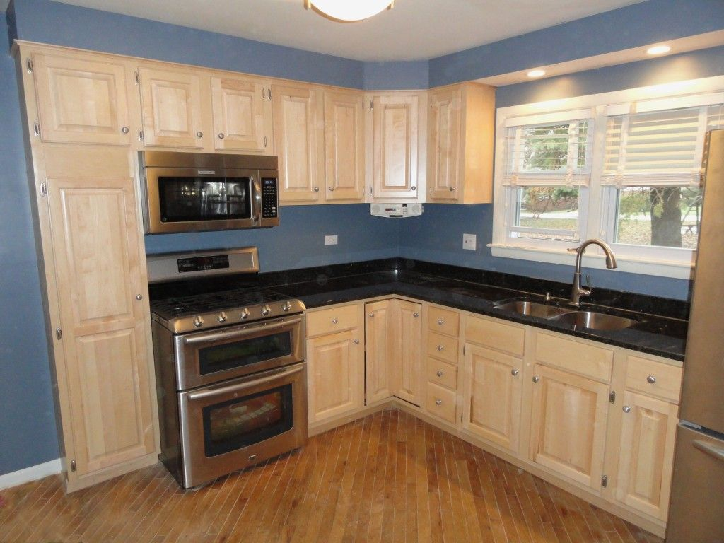l shaped kitchens with granite countertops | kitchen top ... on What Color Granite Goes With Maple Cabinets  id=50941