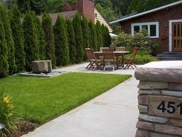 Cerco perimetral pinos cerco vivo pinterest patio for Pisos para patios y jardines