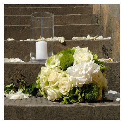 Addobbi floreali per scalinata chiesa fotografie di for Addobbi per promessa di matrimonio