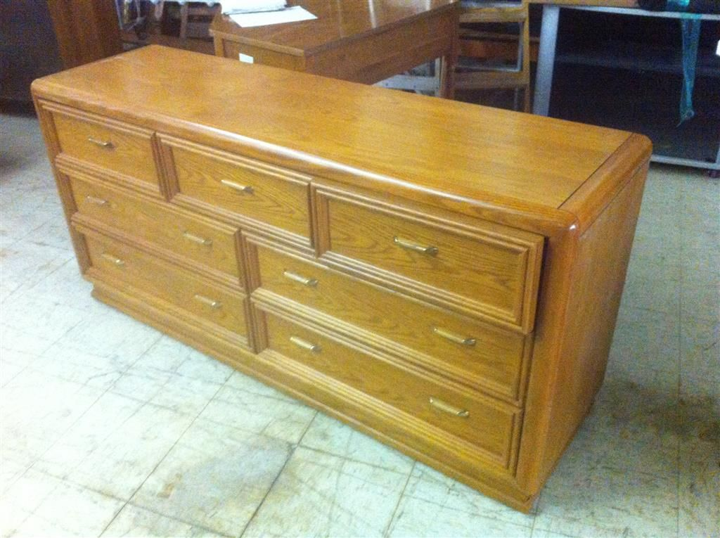 Thomasville Solid Oak Dresser with Solid Wood Drawers