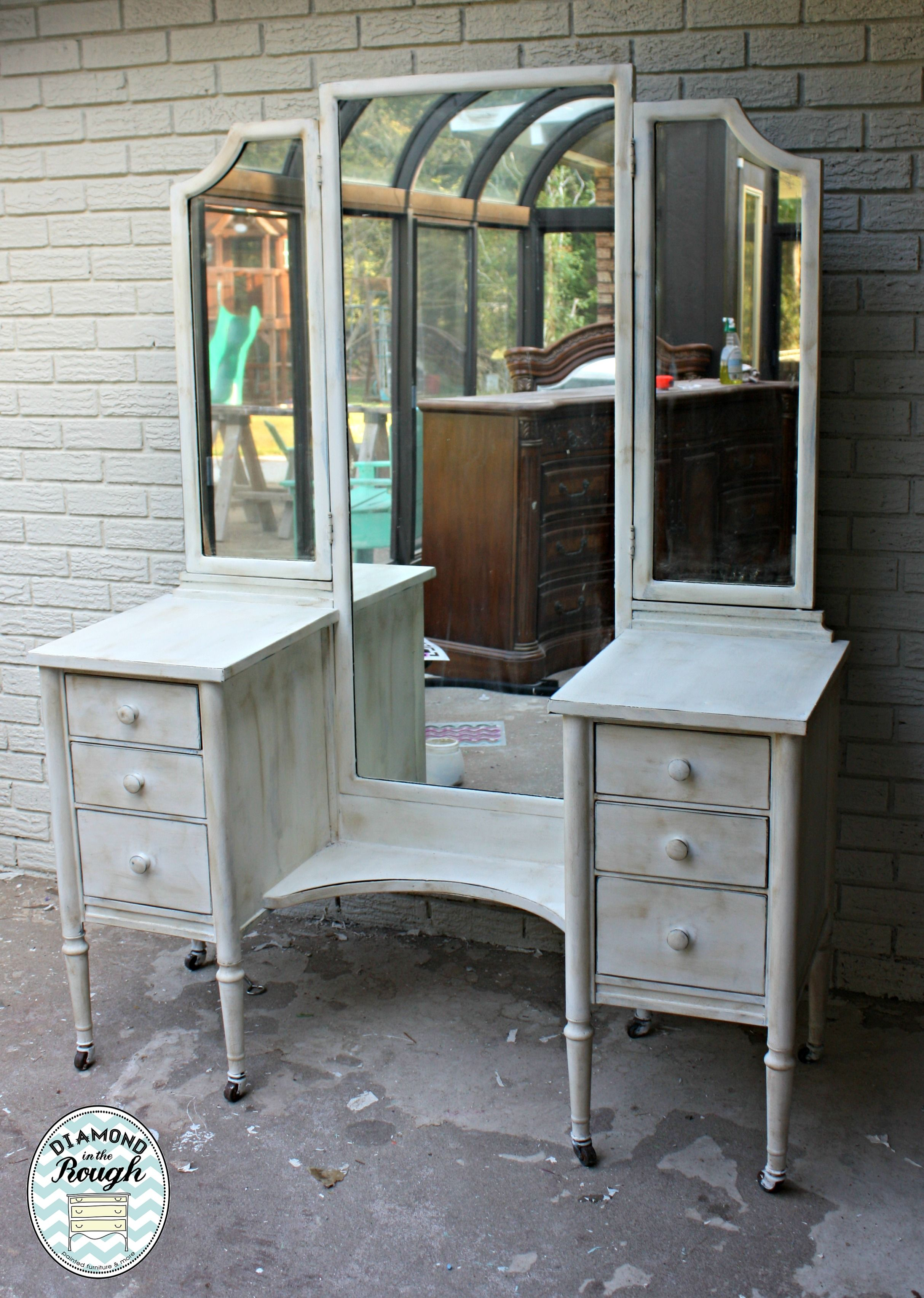 Metal vanity painted in CeCe Caldwell\'a Vintage White ! Oh the ...