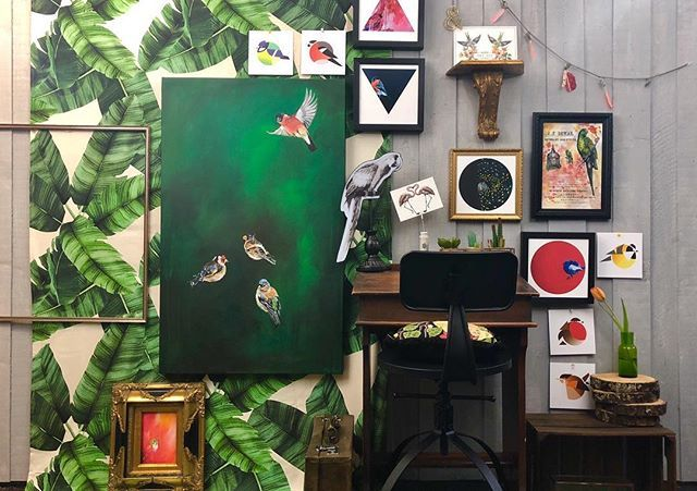 Birds of all feathers! From the tits to the cockatoos; finches and wrens are all here! ! #artist #interiorinspo #interiorstyling #homedecor #maximalist #myhomevibe #myhomestyle #greenery #green #foliage #birdlover #finch #cockatoo #bluetit #partit #tropical #painting #wallart #artprint #deliciousdarkdecor #colourmyhome #colorlover #creativelife #creativeedi #edinburgh #igersedinburgh #gallerywall #colourmyhome #stareatartnotwalls #diedododa