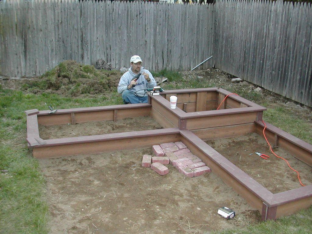 Foot Garden Ideas | ... Deck Raised Bed Designs - Square Foot Gardening Forum - GardenWeb