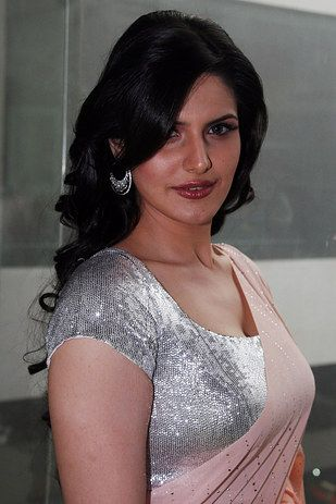 Zareen Khan Had The Perfect Response To People Who Have Been Body Shaming Her Body Shaming Khan Stretch Marks Zareen khan shuts body shamers with the most befitting reply, anushka sharma joins in support! pinterest