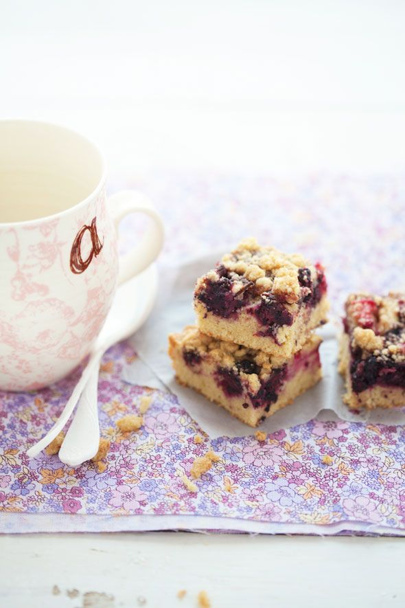 rhubarb and mulberry cake