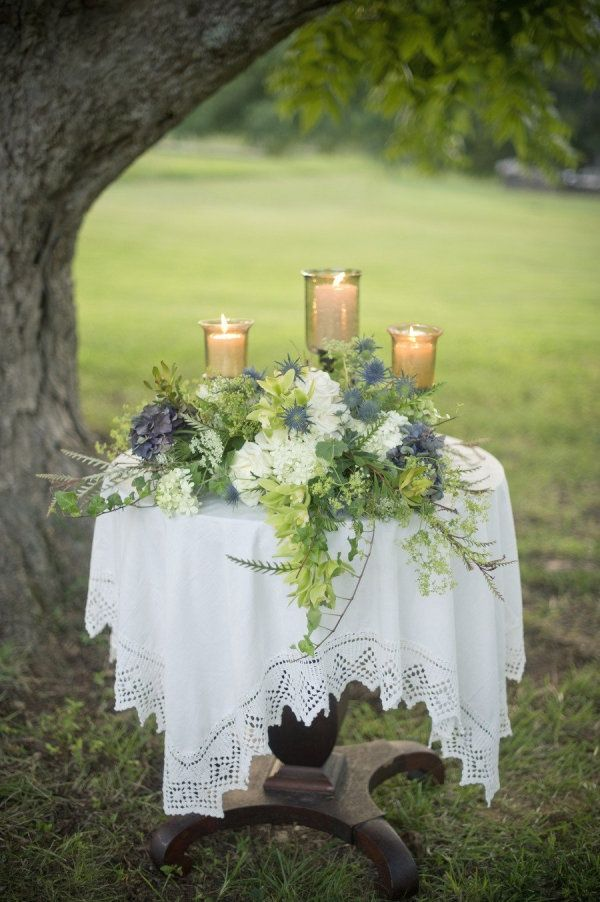 Vinewood wedding by harwell photography unity for Wedding ceremony table decorations