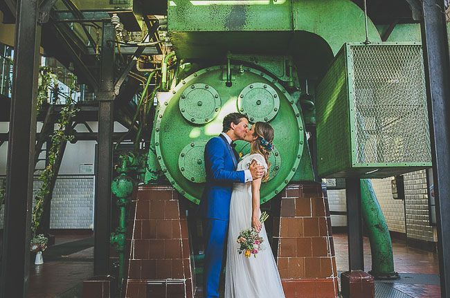 We love seeing how couples from all around the globe choose to create a day that's unique to them. For Nuria + Daan, who tied the knot in Spain at Museo de la energía (an old power station that's been converted into the National Museum of Energy), that meant including fun DIY details in every corner of the amazing […]