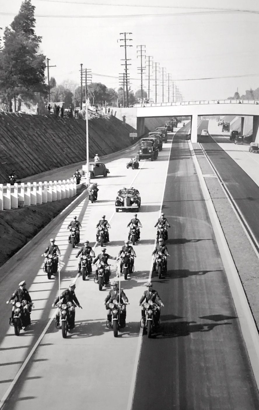 The Opening Of A Segment Of One Of America S First Freeways The Arroyo Seco Parkway Los Angeles December 30 1940 Los Angeles History Los Angeles California History