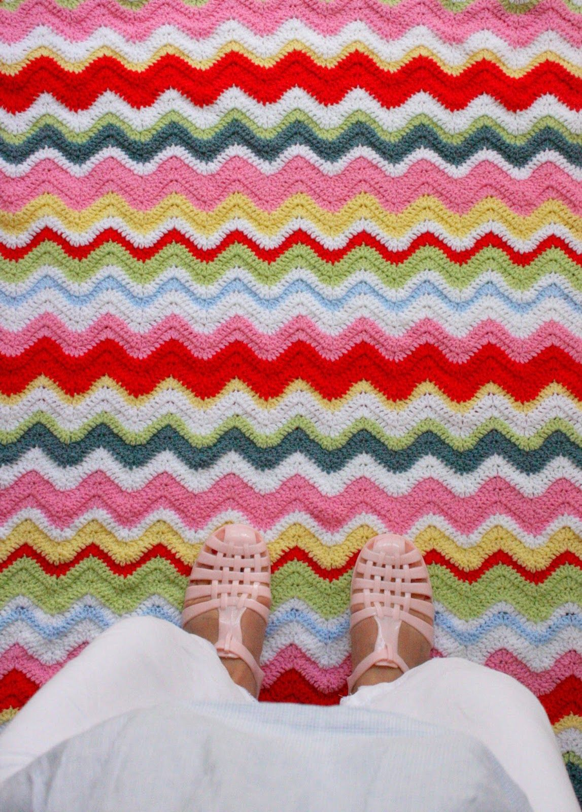 Beautiful colorful #crochet ripple blanket from Coco Rose Diaries ...