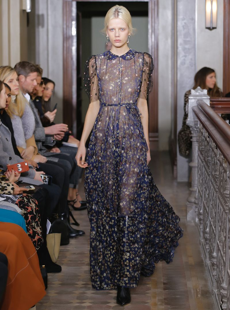 Inside Pierpaolo Piccioli's (Gorgeous) Valentino Pre-Fall 2017 Collection | Fashion Week Online