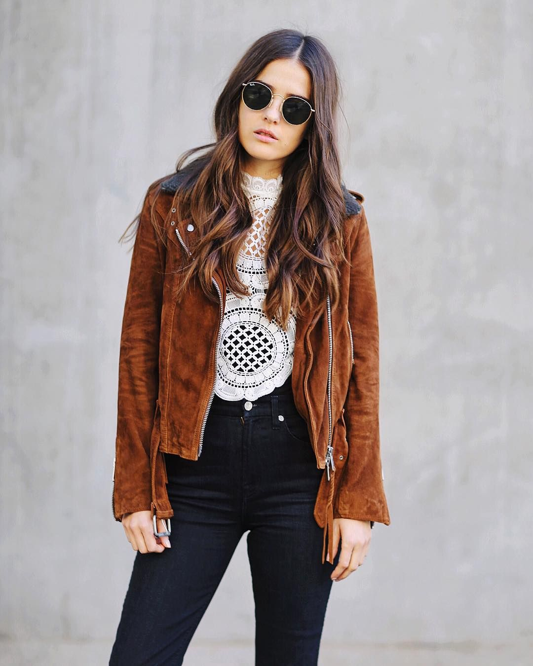 """""""End of the year sales are my faav! My whole outfit is on sale, including the jacket (60% off) #yaas. Shop it directly on www.blankitinerary.com or via…"""""""