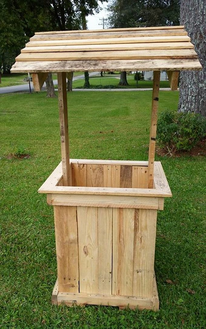 Diy Recycled Pallet Woodworking Outdoor Well House Design Ideas
