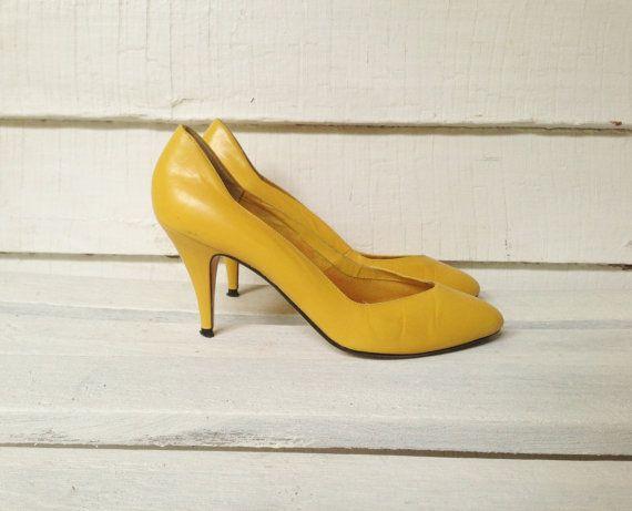 vintage mustard yellow high heels // womens shoes size by kodakin ...