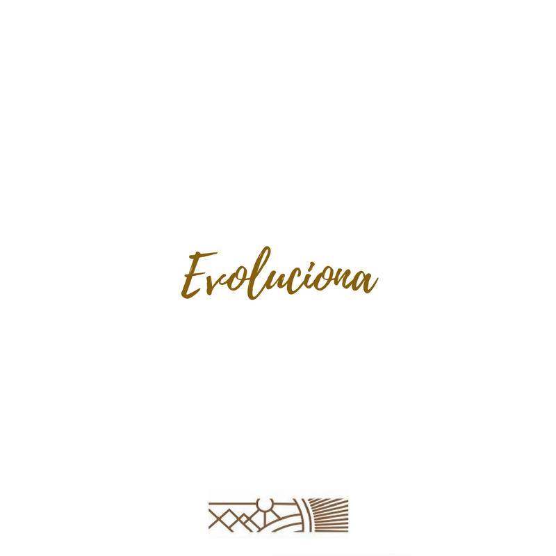 El mundo es muy grande, con destinos preciosos, rincones escondidos y lugares muy poco conocidos, y conocerlo nos trae un sinfín de ventajas.  Una de ellas es que aún sin buscarlo, evolucionamos como seres humanos, nuestra perspectiva cambia y empezamos sin darnos cuenta a debatir acerca de nuestras enseñanzas desde pequeños.  Así que no solo te limites a viajar; deja que el viaje haga su trabajo de hacerte evolucionar a lo largo de tu recorrido.      . . . . . #evoluciona #viajeideal…