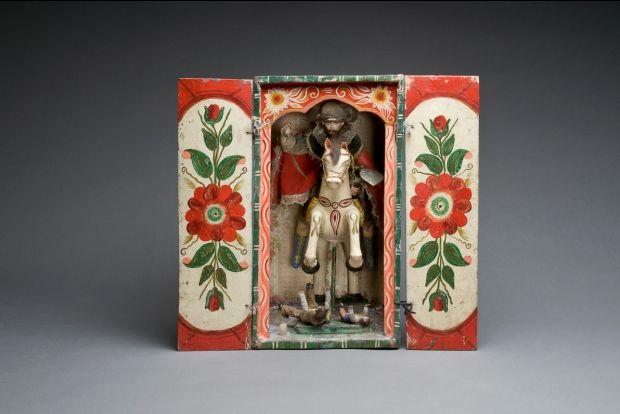Portable altar via Santiago-Museum-of-International-Folk-Art