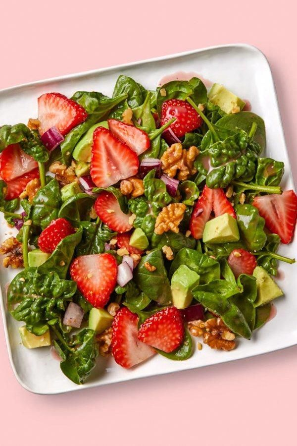 this summery strawberry spinach salad alongside soup or a half sandwich, or top with grilled chicken or roasted salmon for a complete and easy healthy meal.