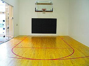Indoor Basketball Court At Houston Medical Center Apartments Medical Center Apartments Include Racquetball Court High Ceilings At Houston Medical Center Apa