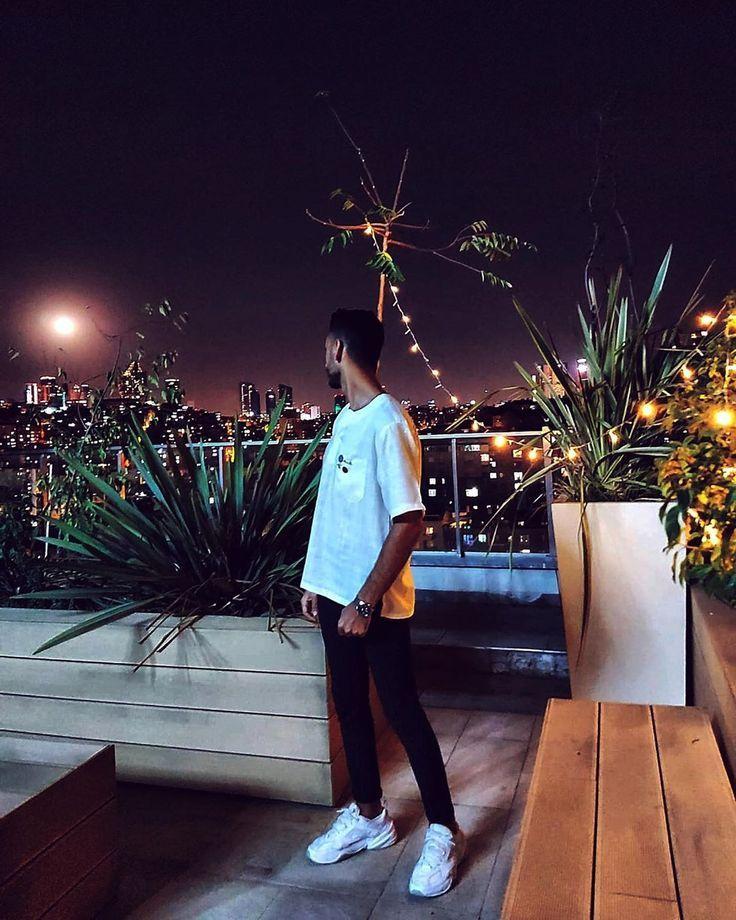 🌙 # Nacht # Mond # Licht # Fotografie # Mann # Shooting # Außenbereich # Design # Interieur # Die …