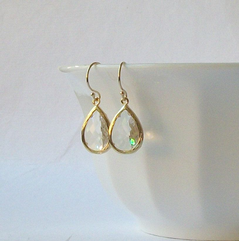 Clear Crystal Drop Earrings by PeriniDesigns on Etsy