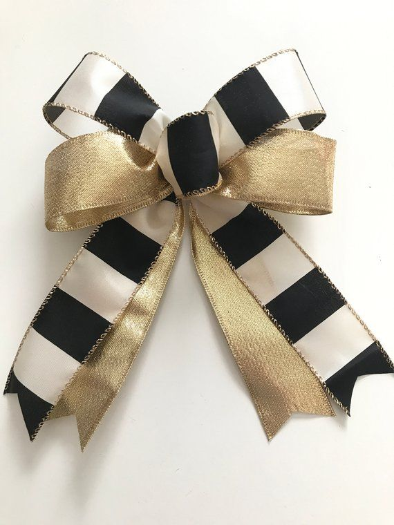 Black and Gold Christmas / Christmas Tree Bows / Xmas | Etsy #blackchristmastreeideas