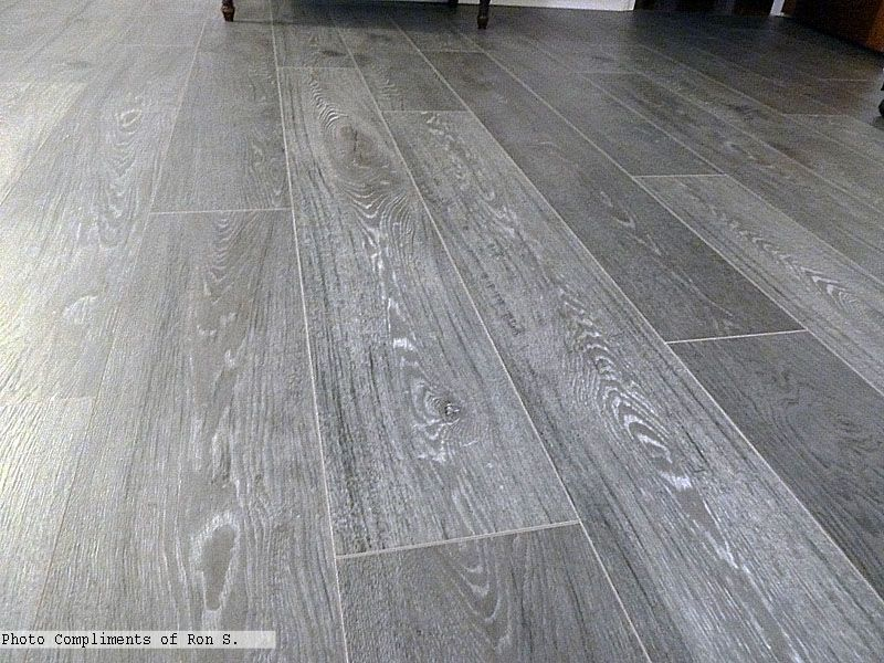 Kronoswiss grand selection umber silverado grey oak for Grey bathroom laminate flooring