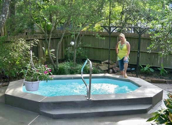 Pin By Tilite On Spa Ideas Small Swimming Pools Small Fiberglass Pools Backyard Pool