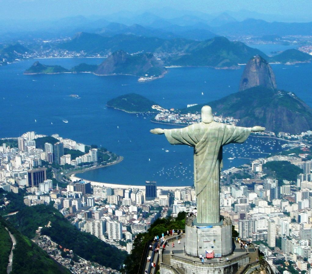 Seeking for a honeymoon travel destination which will combine perfect beaches, stunning mountain views, variety of sports and activities along with the festive atmosphere and friendly locals, you cannot but travel to Rio de Janeiro.    This majestic