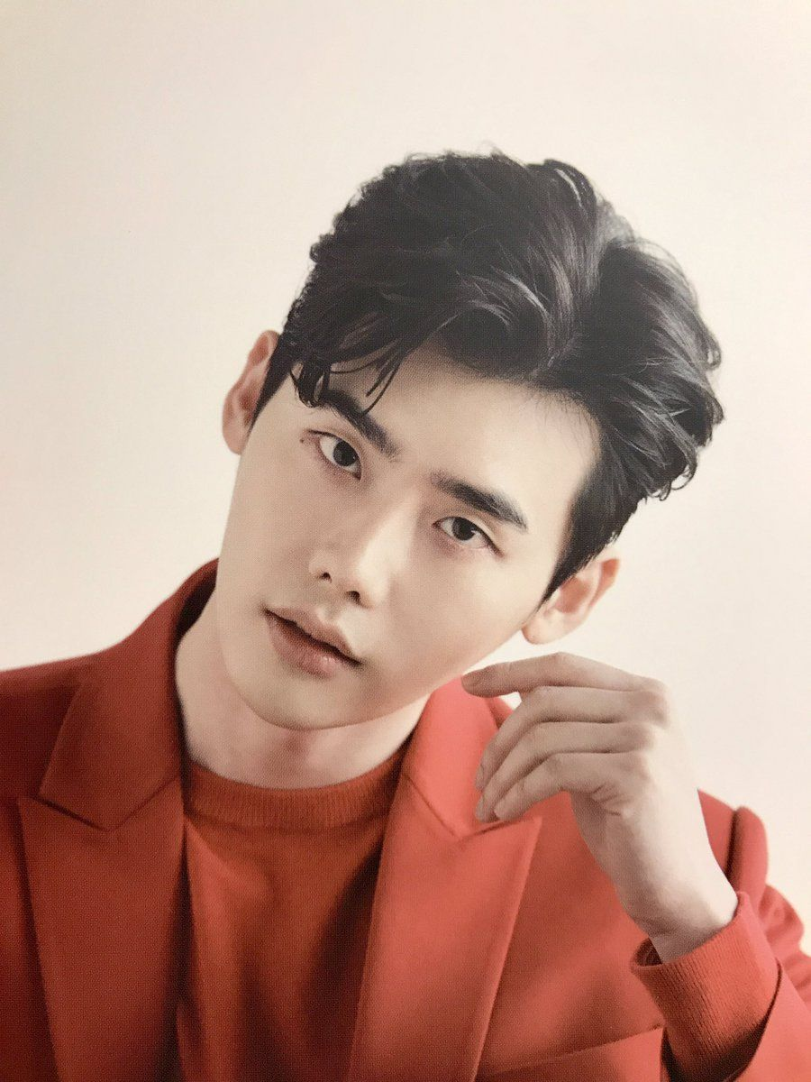 2018 Lee Jong Suk Dream With Us Exhibition Bazaar 2018 03 01 Photo From Postcards Cred Koreanische Schauspieler Schauspieler Darsteller