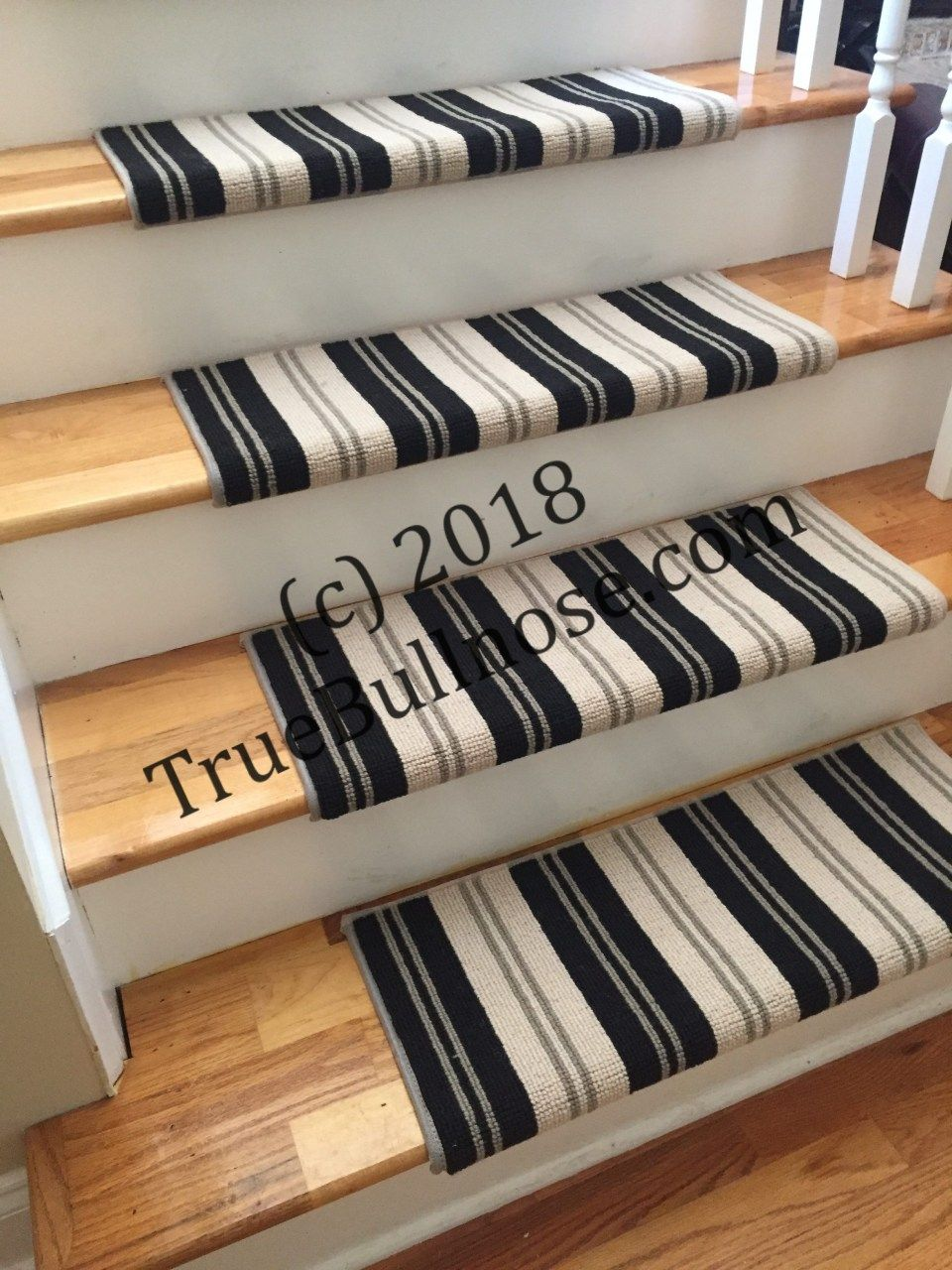Best Traverse Earth And Other Colors Carpet Stair Tread 640 x 480