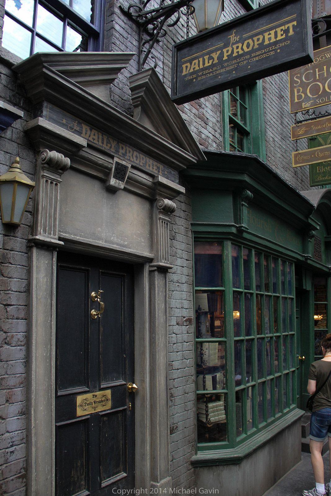 Diagon Alley At Universal Orlando Harry Potter Aesthetic Harry Potter Wallpaper Harry Potter Wall