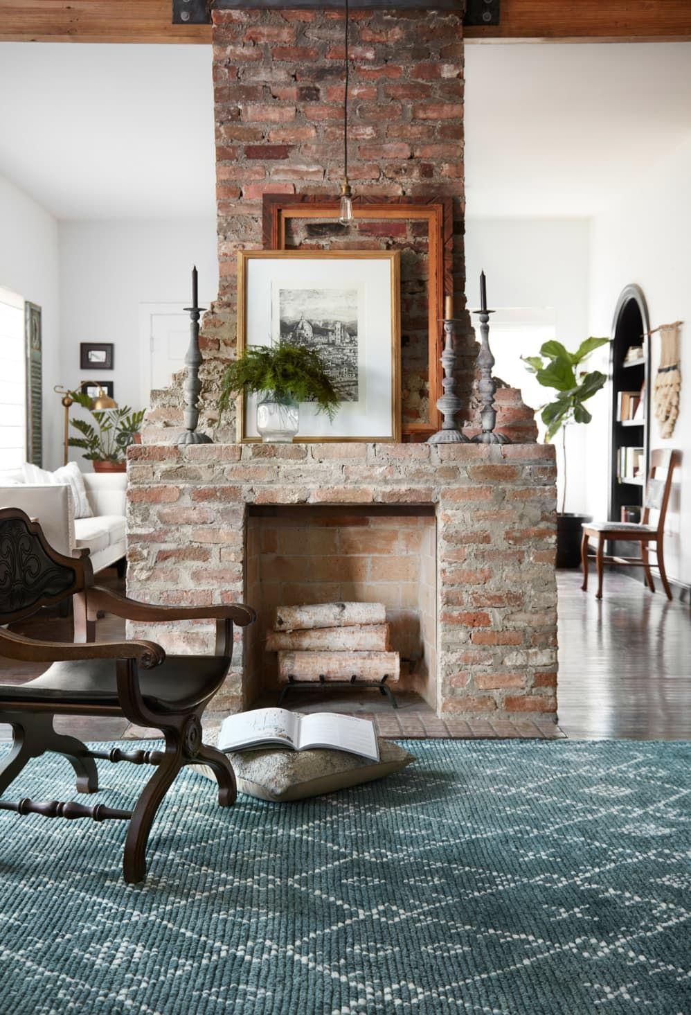We Are So In Love With Joanna Gaines New Rug Collection Bauernhaus Wohnzimmer Kaminbau Kamin Dekor