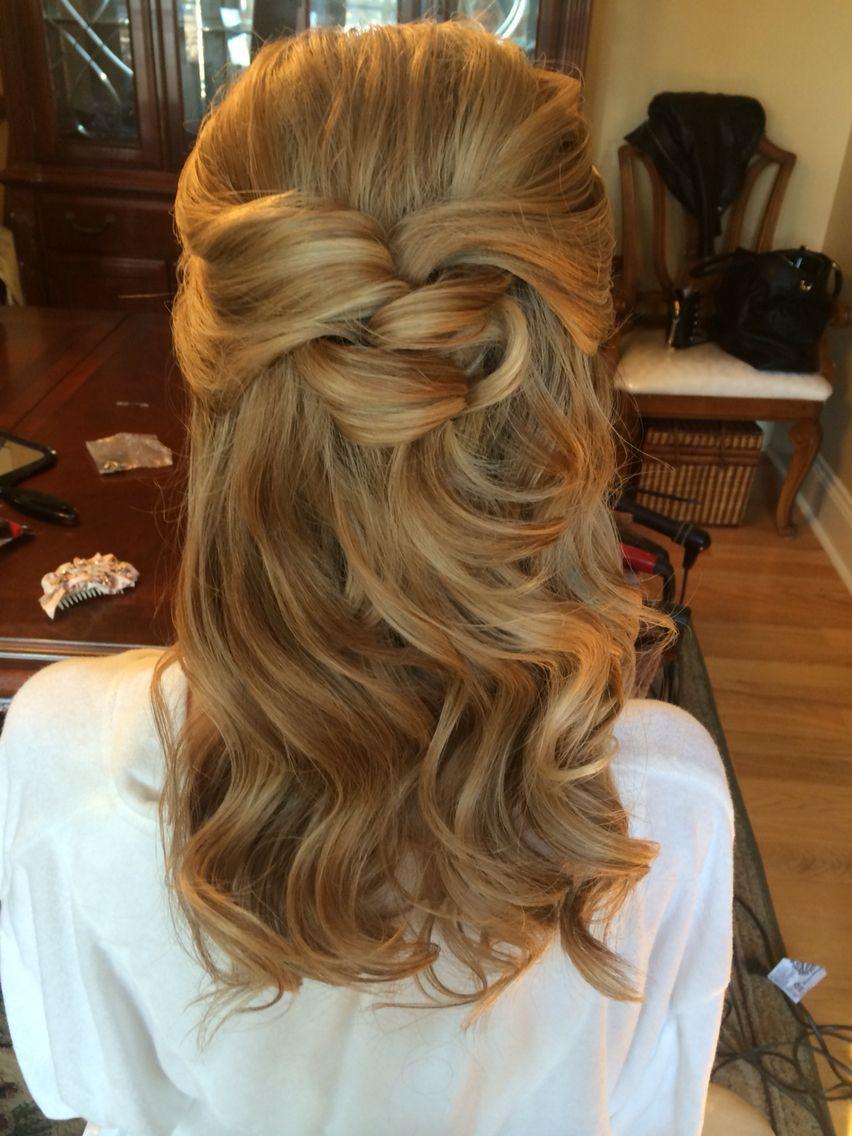 simple, pretty half upstyle freelance bridal hairstylist