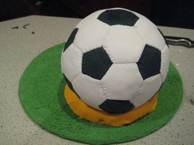 How to make a soccer ball cake tutorial cosas para hacer