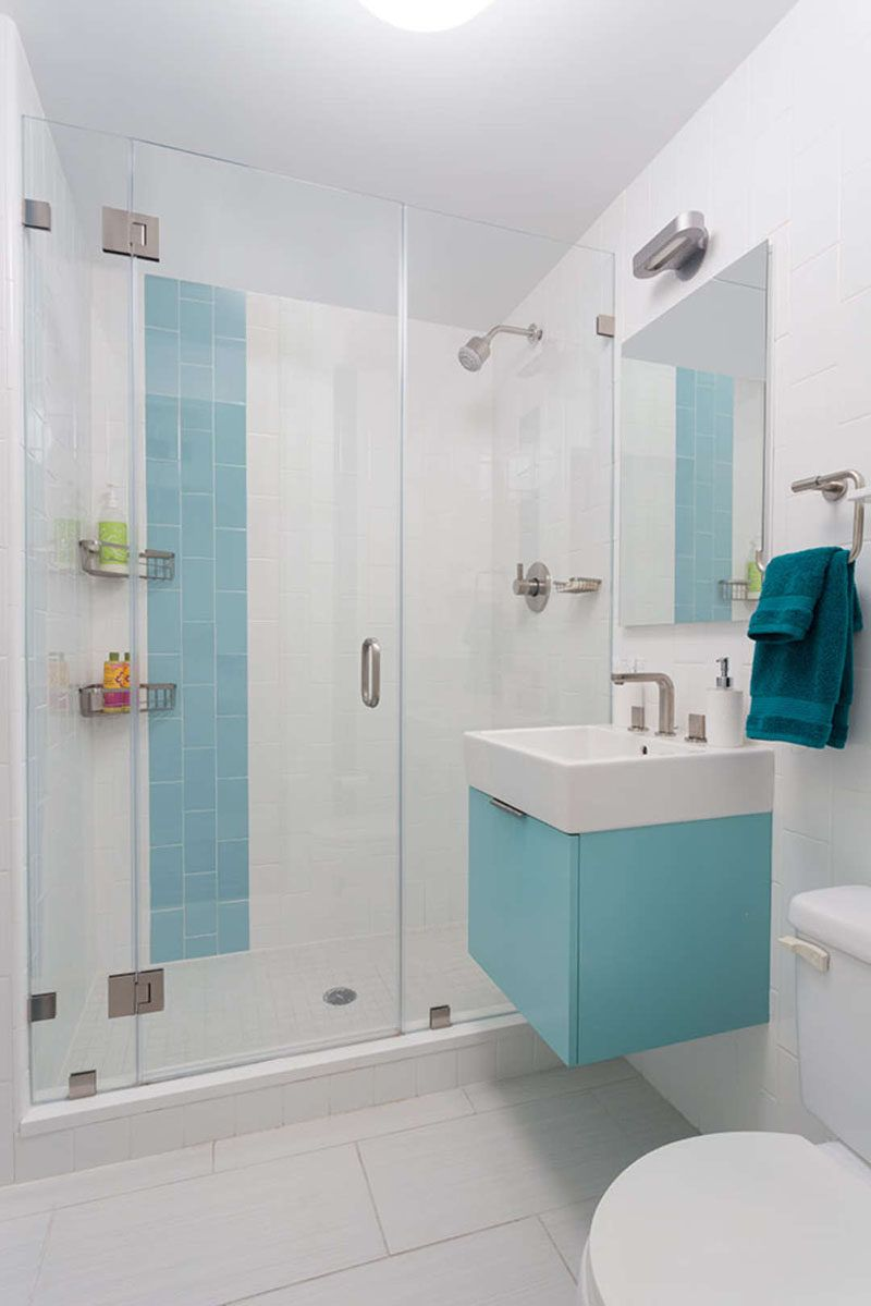 13 Inspirational Examples Of Blue And White Bathrooms | Salle de ...