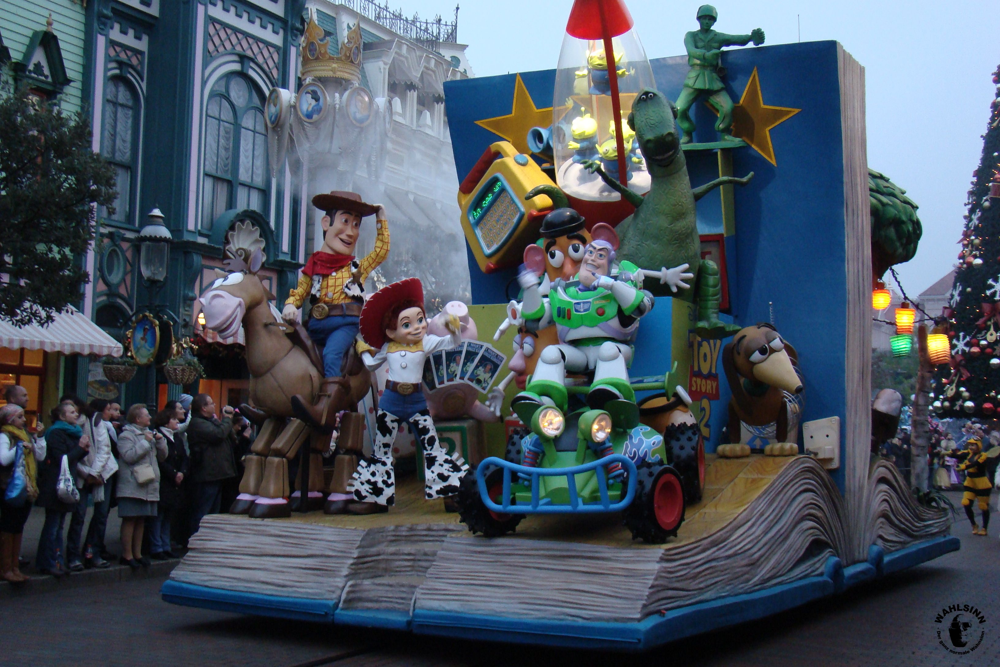 Disneyland Paris - Park Parade