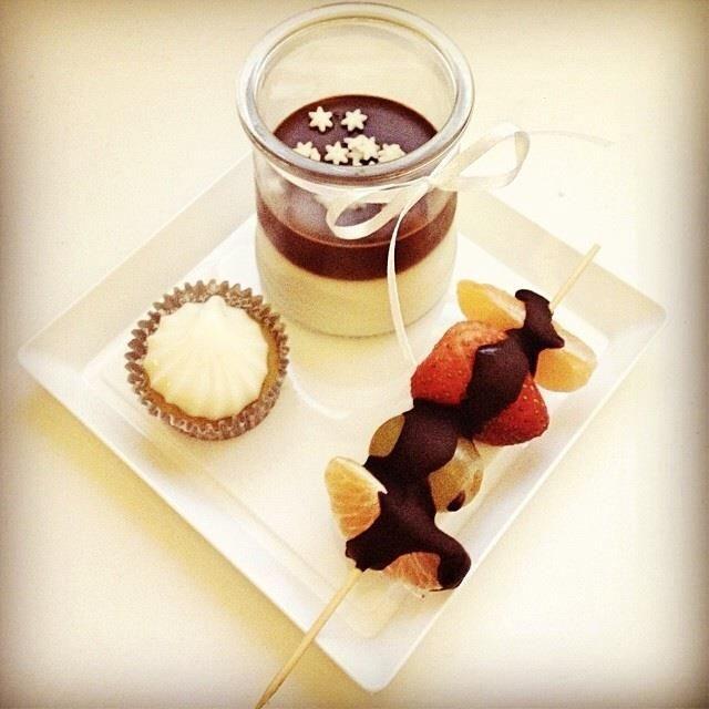 stars chocolate fruit