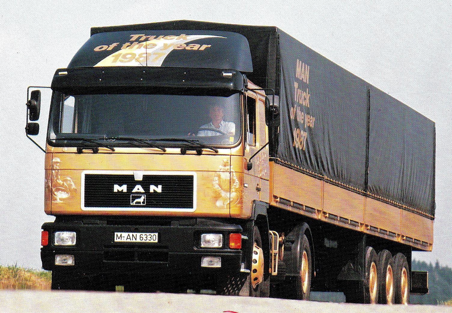 Golden Truck 1987- Painted with real 24 carat gold. #airbrush #art #artwork #truck #trucking #simoriikonen #airbrushartist #man #gold