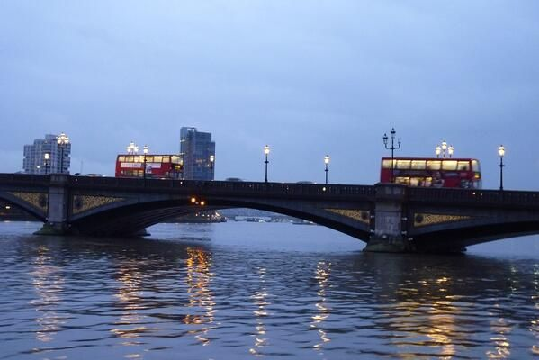 There is magic about #Thames #London at dusk. Battersea Bridge via Twitter  Nika Garrett ‏@myLondontours