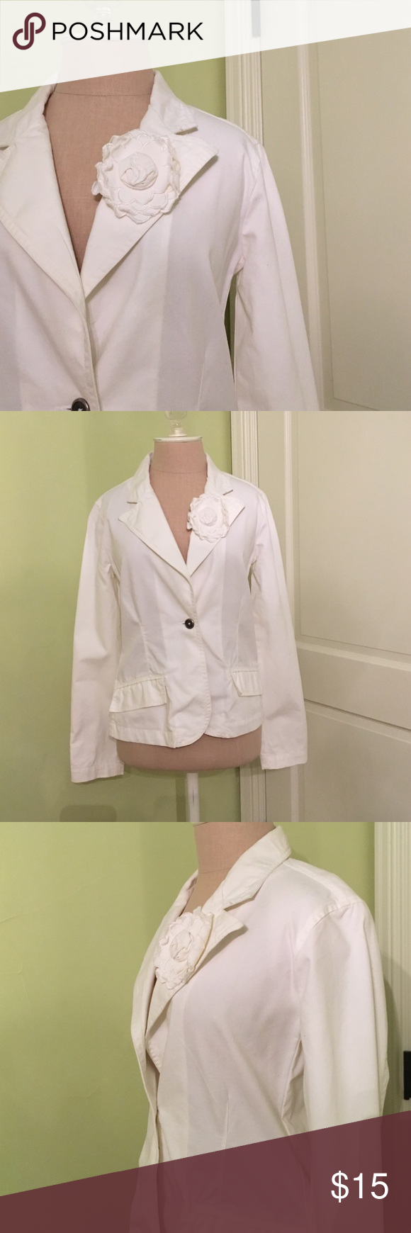 White blazer. White cotton blazer with white flower on the lapel. Silver buttons on the sleeves with slit pockets. Eivissa Jackets & Coats Blazers
