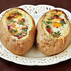 """Idaho Sunrise"" (Baked Eggs & Bacon in Potato Bowls) -- easy to make, and easy on the budget!"